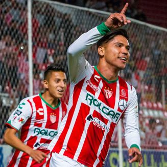 Barragán celebra el primer gol de Necaxa