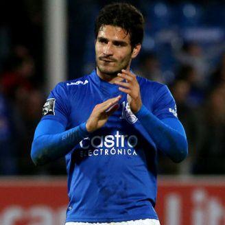 Antonio Briseño celebra gol con el Feirense