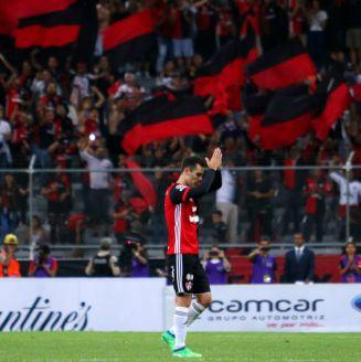 Rafa Márquez durante su duelo de despedida frente a Chivas