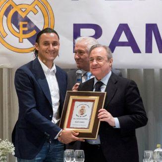 Keylor Navas junto a Florentino en un evento del Real Madrid
