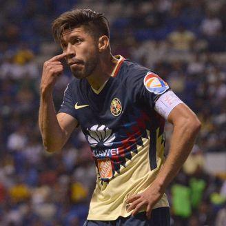 Oribe Peralta, durante el juego entre América y Puebla