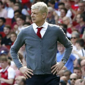 Wenger observa partido de Arsenal vs West Ham