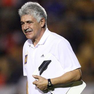 Ricardo Ferretti, durante un juego de Tigres en el Estadio Universitario