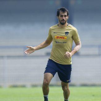 Alejandro Arribas, durante un entrenamiento con Pumas