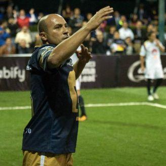 Ailton Da Silva en el partido Leyendas Pumas vs América