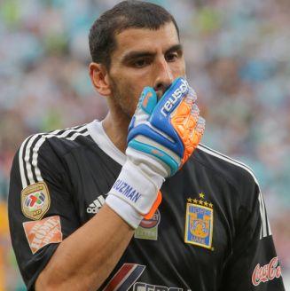 Nahuel se lamenta tras la eliminación de Tigres