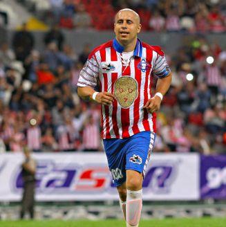 Bofo, durante su juego de despedida en el Estadio Jalisco