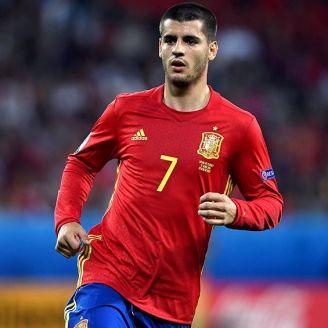 Morata en un partido con la selección española