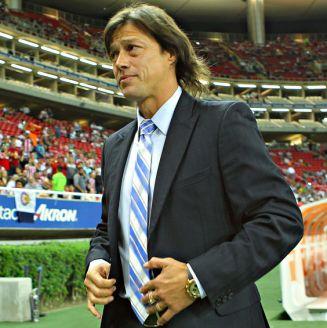 Almeyda, durante un juego con Chivas