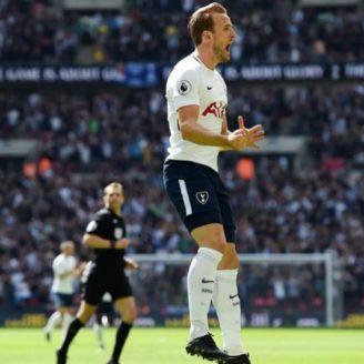 Harry Kane celebra gol de Tottenham