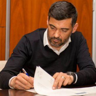 Sérgio Conceição firma su contrato