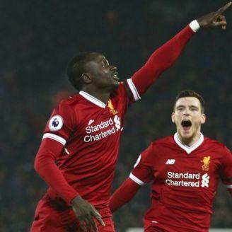 Sadio Mané celebra gol con Liverpool