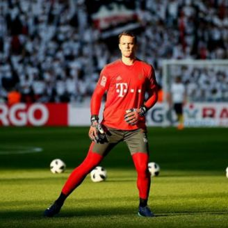Manuel Neuer durante un entrenamiento con el Bayern