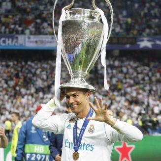 Cristiano Ronaldo levanta su quinto trofeo de Champions