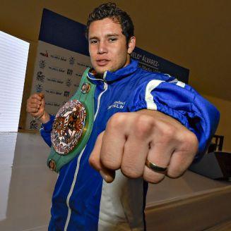 Carlos Cuadras durante el evento de Ring Telmex Telcel