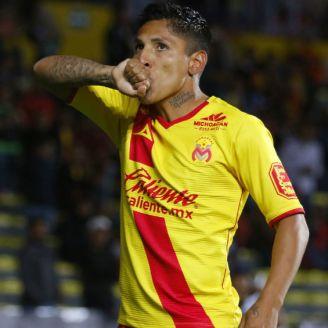 Raúl Ruidíaz, celebra un gol frente a Querétaro