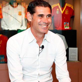 Fernando Hierro, presentado como DT de España
