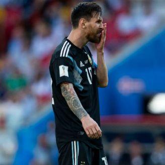 Messi se lamenta después del penalti fallado