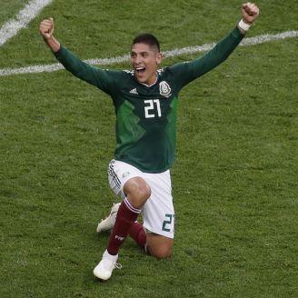 Edson celebra la victoria del Tri frente a Alemania