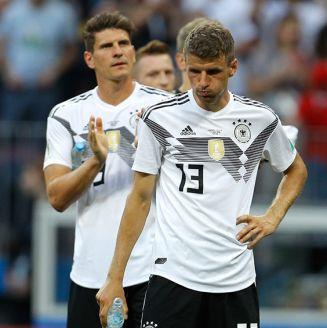 Jugadores de Alemania se lamentan tras derrota contra el Tri