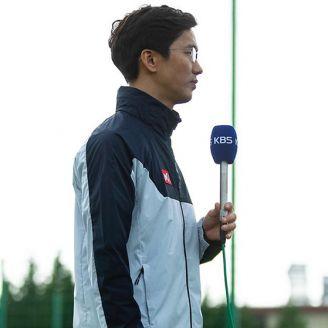 Periodista coreano, en el campamento tricolor