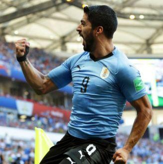 Luis Suárez festeja su gol contra Arabia Saudita