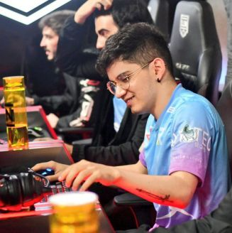 Rainbow7 pasó por encima de Zaga Talent Gaming