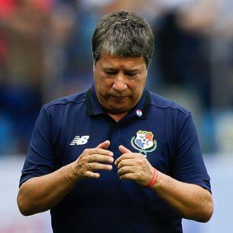 Hernán Gómez, en el juego de Panamá contra Inglaterra