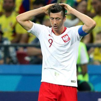 Lewandowski, lamentándose en el partido contra Colombia
