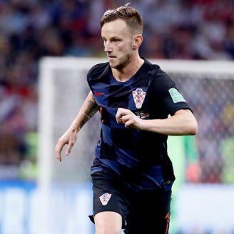 Rakitic disputa un juego con Croacia en el Mundial de Rusia 2018