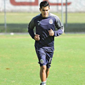 Jesús Sánchez, durante un entrenamiento con Chivas