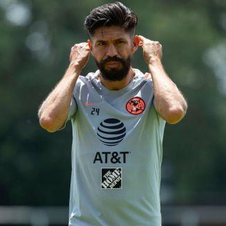 Oribe Peralta, durante el entrenamiento con América