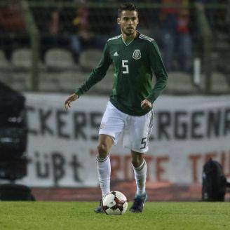 Diego Reyes en un partido de la Selección