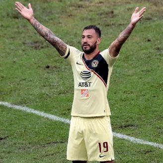 Emanuel Aguilera celebra un gol ante Veracruz en Copa MX