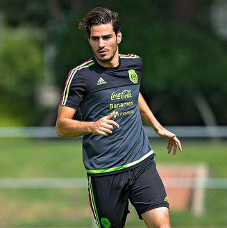 Antonio Briseño entrena con la Selección Mexicana