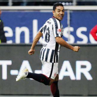 Marco Fabián durante un partido con el Eintracht Frankfurt