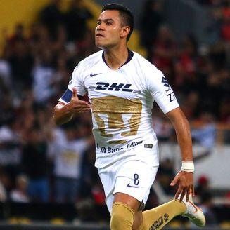 Barrera celebra un gol con Pumas en el Apertura 2018