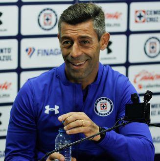 Pedro Caixinha, en conferencia de prensa con Cruz Azul