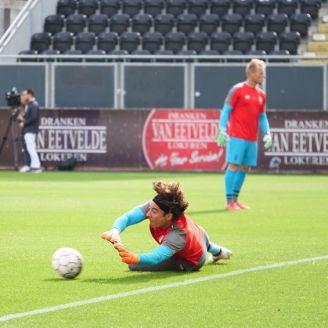 Ochoa calienta previo al duelo del Standard ante el Lokeren