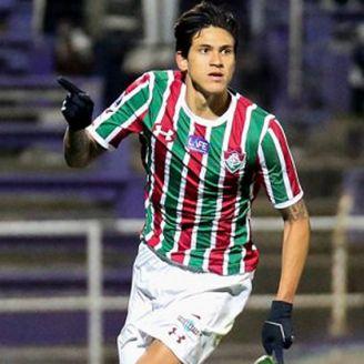 Pedro celebra una anotación con el Fluminense