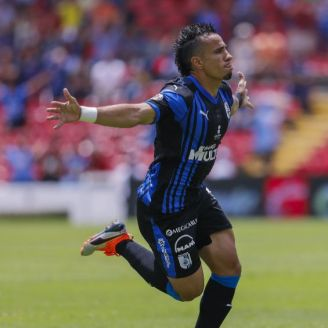 Sanvezzo festeja gol en el Corregidora