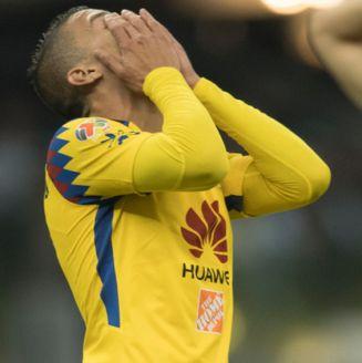 Uribe se lamenta en un juego con América