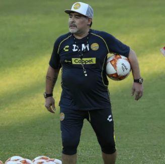 Maradona, en su primer entrenamiento con Dorados