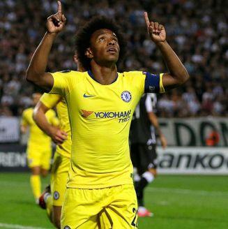 Willian celebra su gol contra PAOK