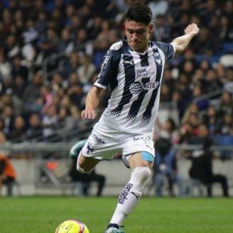 Jonathan González durante partido de Rayados