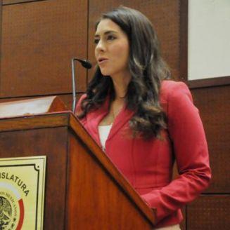 Lyndiana Bugarín Cortés, durante un discurso
