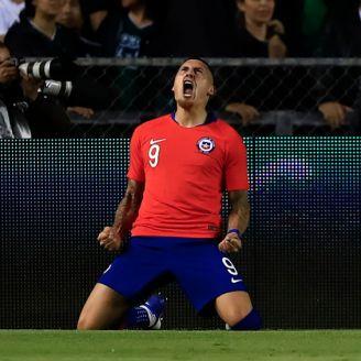 Nicolás Castillo celebra el gol del triunfo de Chile ante México
