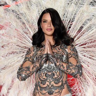Adriana Lima durante el desfile de Victoria's Secret