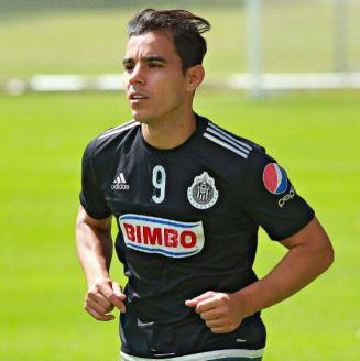 Omar Bravo, en su etapa como jugador de Chivas en 2016