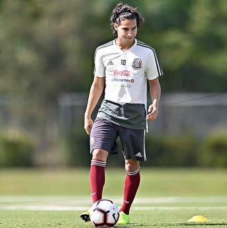 Diego Lainez en entrenamiento de Tri sub 20